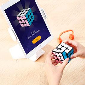 Умная игрушка кубик-рубика