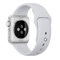 """Фото спортивного ремешка для Apple Watch 38 мм, На этой странице вы можете купить спортивный ремешок для Apple Watch 38 мм стильного """"дымчатого"""" (серебристого) цвета. Аксессуар изготовлен из фторэластомера - прочного и приятного на ощупь материала, который плотно прилегает к коже, но при этом не вызывает раздражений. Для надежной фиксации используется удобная застежка pin-and-tuck, которая вставляется внутрь, не оставляя ненужных """"хвостов"""".  Основные особенности:  идеально подходит для Watch 38 мм; в комплекте 2 разных размера - S/M и M/L; приятно и комфортно носить на руке; выполнен из фторопласта; удобная застежка; цвет - """"дымчатый"""" (серебристый)"""